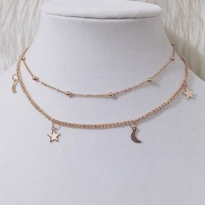 Gold star & moon charm choker necklace ⭐️⚡️✨